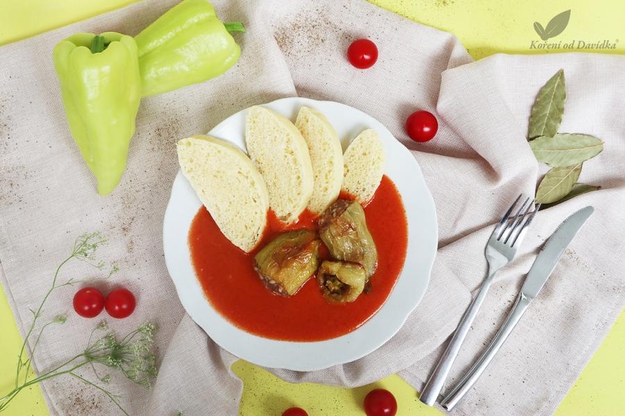 Plnená paprika s paradajkovou omáčkou