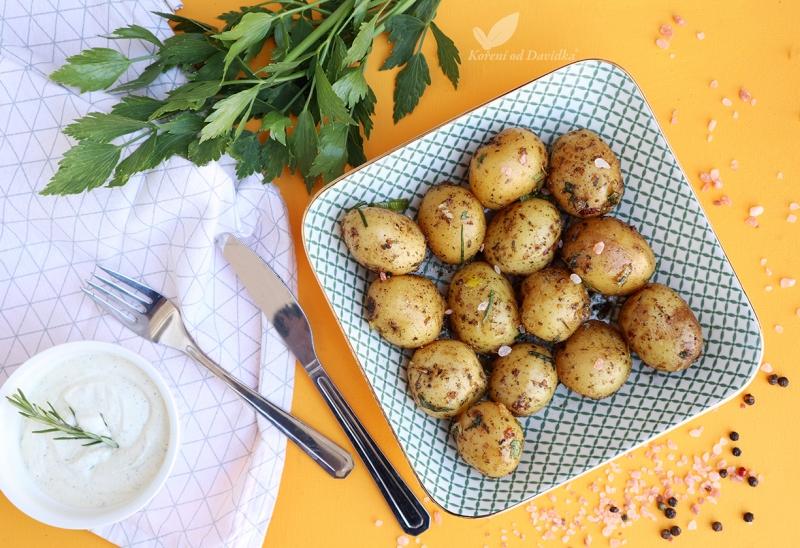 Cesnakovo-parmezánové zemiaky