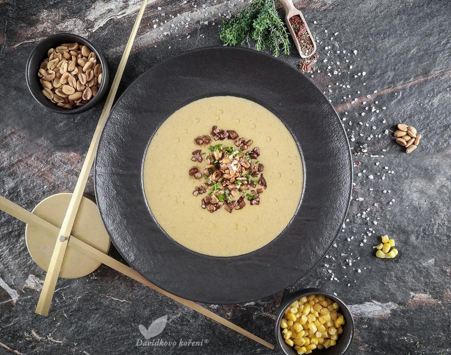 Polévka z kukuřice s mákem a restovanou slaninkou