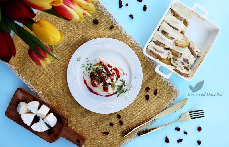 Zapečené smetanové brambory s hermelínem a brusinkami