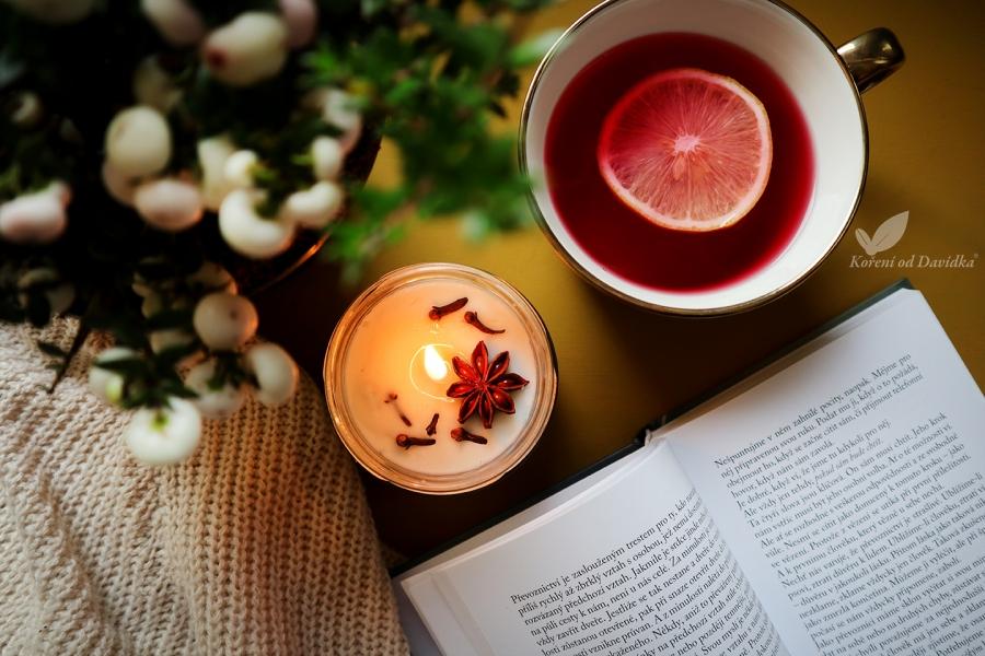 Prírodná sviečka s badiánom a klinčekom
