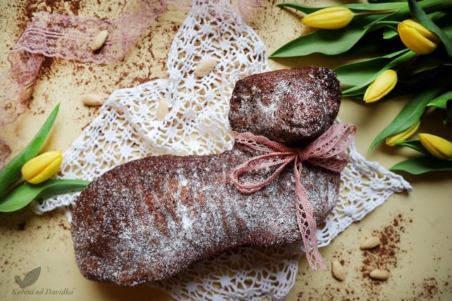 Kakaový baránok s mandľami