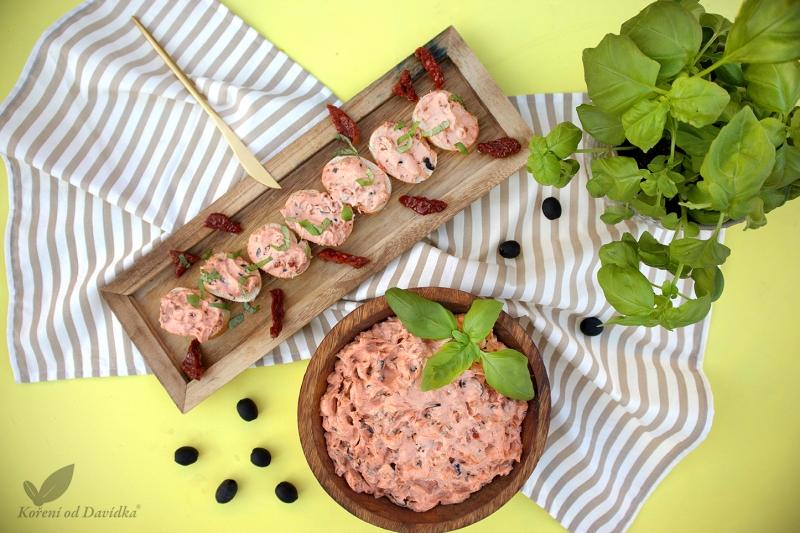 Pomazánka ze sušených rajčat a černých oliv