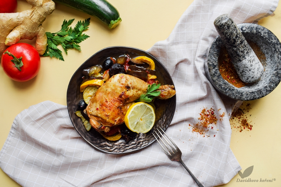 Marocké kuře se zeleninou a sušenými švestkami