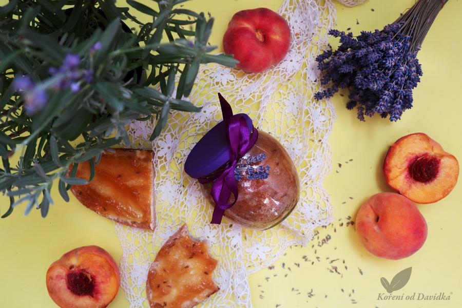 Broskyňový džem s levanduľou
