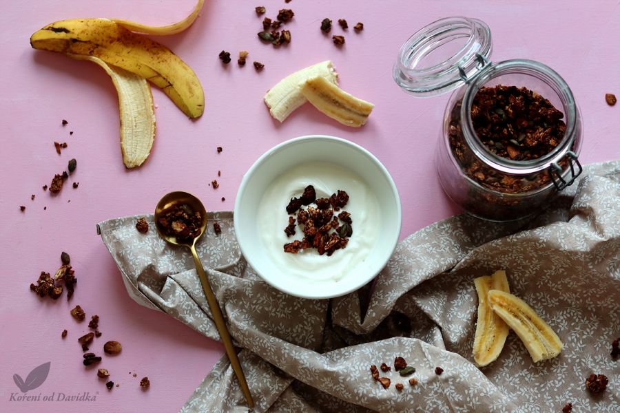 Banánovo - kakaová granola