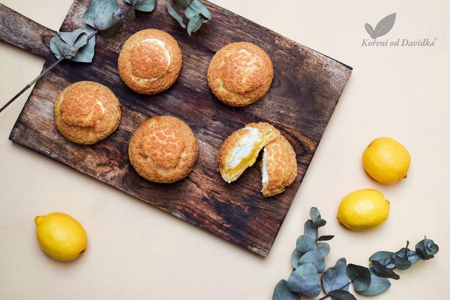 Choux so smotanovým krémom a lemon curd